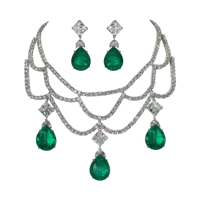 Magnificent Faux Diamond Emerald Necklace Earring Set For