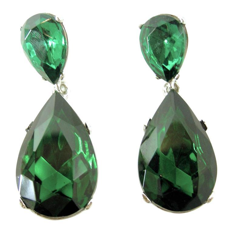 Signed Steve Sasco Rich Pierced Emerald Rhinestone Drop Earrings 1