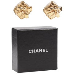 Chanel Vintage Quilted Gold Metal Clip on Earrings Bow Detailing with Box