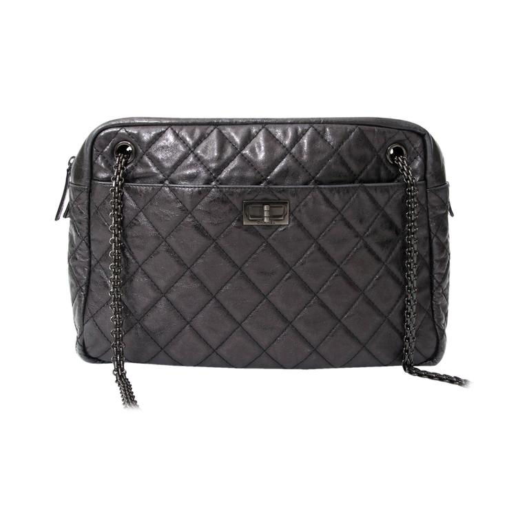 8c58ab78dd4e1b Chanel 2002 Black Caviar Chevron Quilted Camera Case Bag at 1stdibs. Chanel  Reissue Camera Bag at 1stdibs
