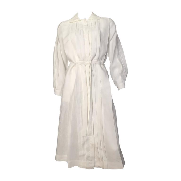Laura Biagiotti for Bonwit Teller 80s white linen dress size 4 / 6.  For Sale