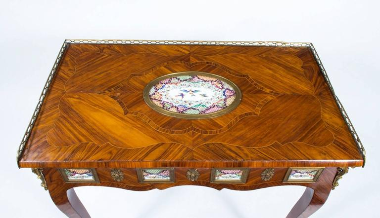 18th Century French Writing Side Table Porcelain Plaques In Excellent Condition For Sale In London, GB