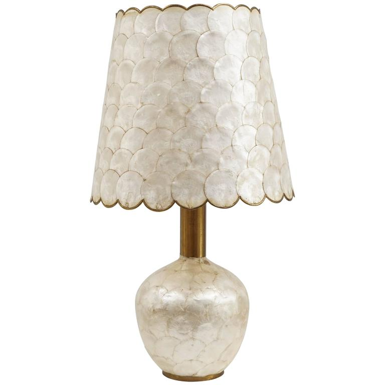 Glam Capiz Shell Table Lamp with Brass Detail, 1970s For Sale - Glam Capiz Shell Table Lamp With Brass Detail, 1970s For Sale At