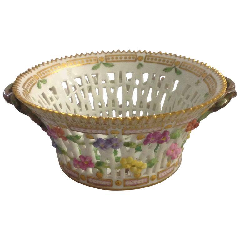 Antique Royal, Copenhagen, Flora Danica Fruit Basket