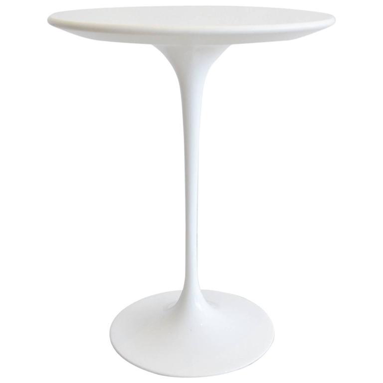 Eero Saarinen for Knoll Tulip Side Table For Sale