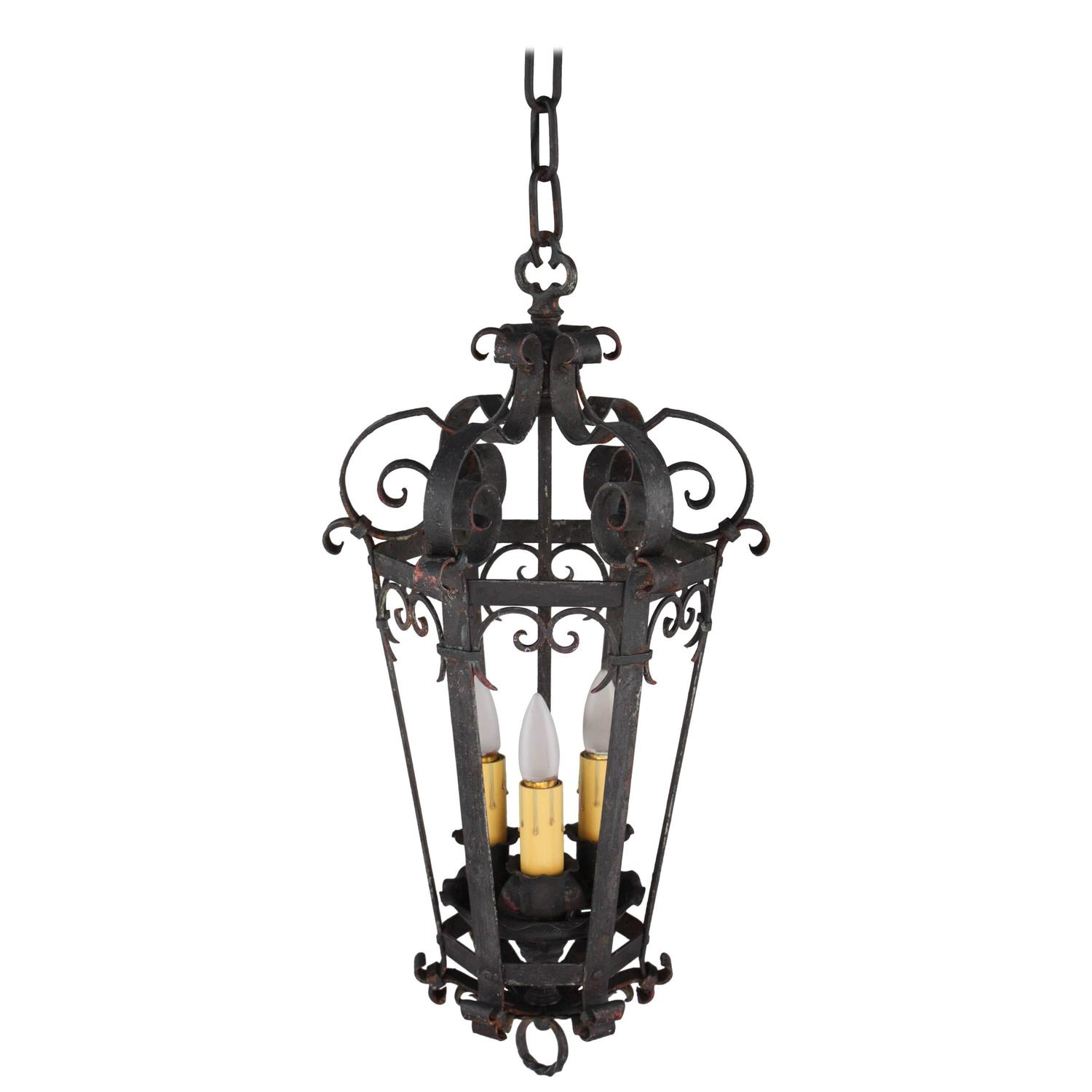 1920s wrought iron pendant with three lights for sale at. Black Bedroom Furniture Sets. Home Design Ideas