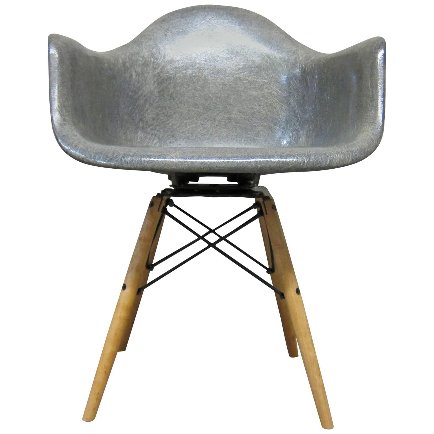 Eames Zenith Rope Edge Elephant Hide Grey Paw At 1stdibs