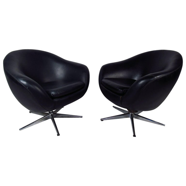 Pair of Overman Pod Swivel Chairs For Sale