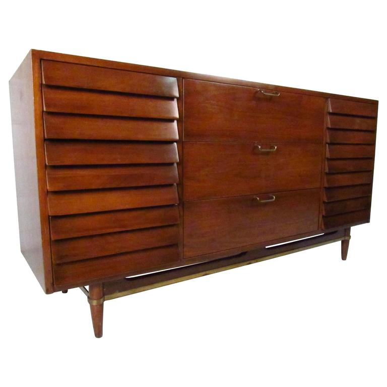 Mid-Century Modern Nine Drawer Dresser by American of Martinsville