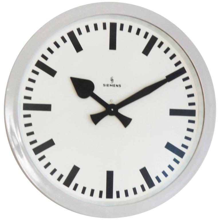 large siemens industrial or station clock 1