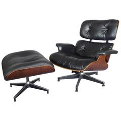 Nicely Grained Eames Rosewood 670 Lounge Chair with Ottoman