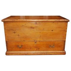 American White Pine Sailor's Nautical Traveling Chest, Circa 1810