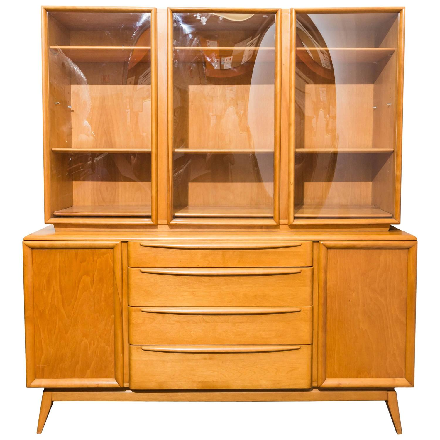 Buffets & Hutches - 25 For Sale on 1stdibs