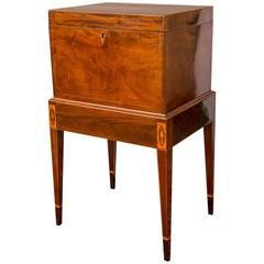 19th Century Mid-Atlantic Hepplewhite Mahogany Cellarette
