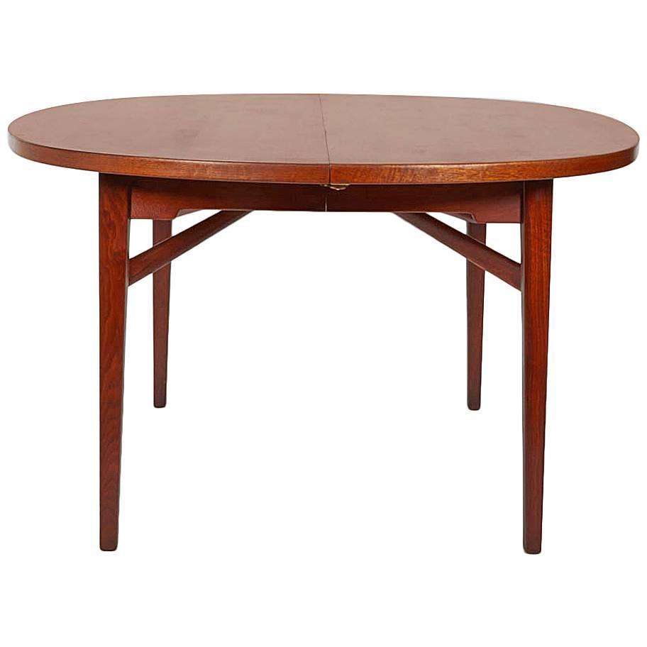 Expandable dining table by jens risom at 1stdibs for Dining room table size calculator