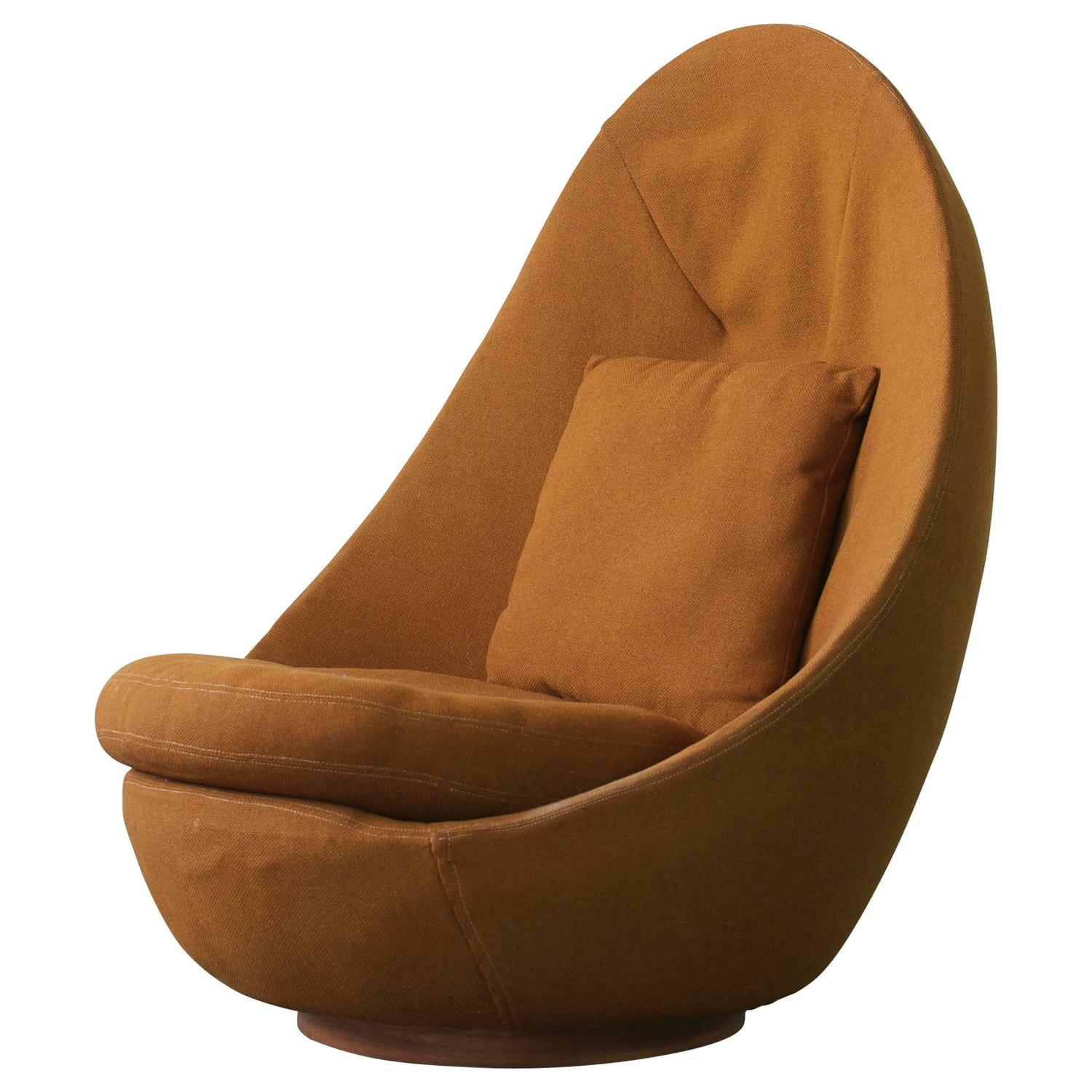 Rare Scale Milo Baughman Swivel Chair For Sale at