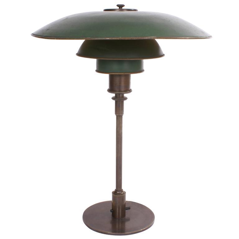 poul henningsen 39 ph 4 3 39 desk lamp with green copper shades 1926 1928 for sale at 1stdibs. Black Bedroom Furniture Sets. Home Design Ideas