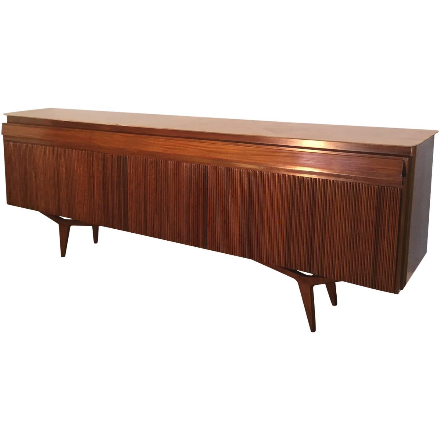 exceptional large mahogany sideboard at 1stdibs. Black Bedroom Furniture Sets. Home Design Ideas