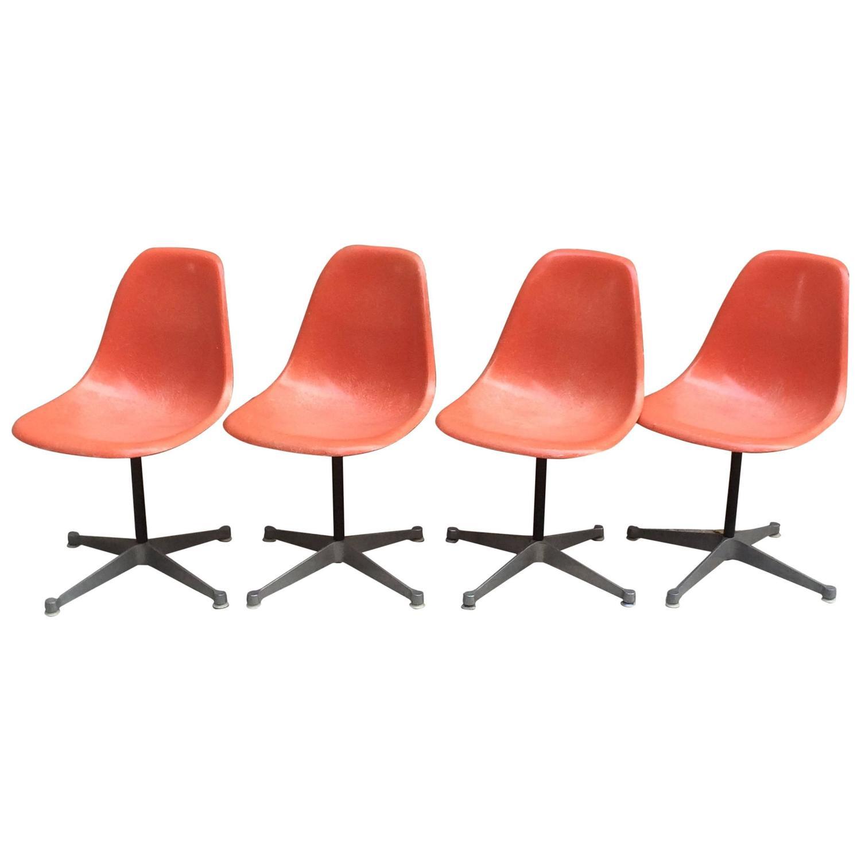 Herman Miller Eames Fiberglass Chairs On Swivel Aluminum
