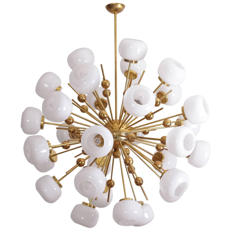 Exceptional huge sputnik murano glass and brass chandelier for Sputnik chandelier