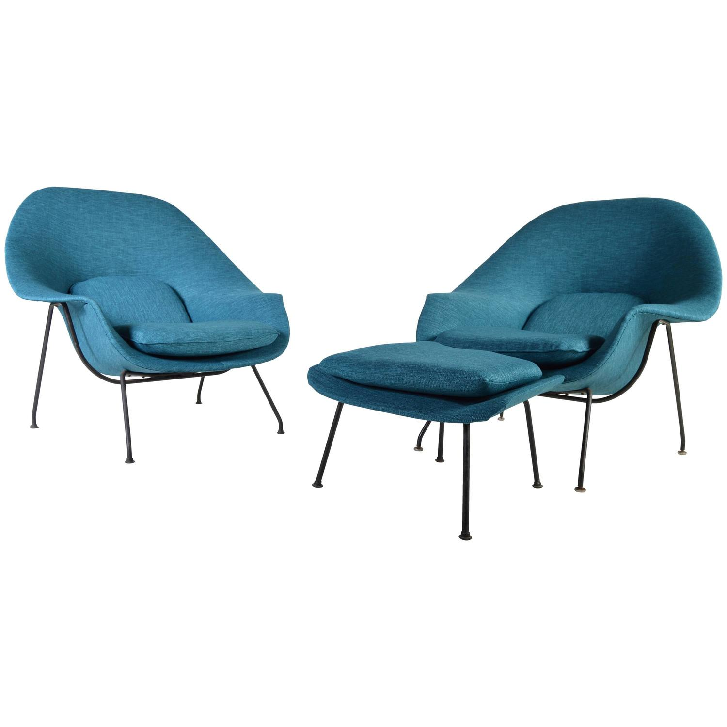 Early 1950s Pair of Eero Saarinen Womb Chairs with Ottoman for
