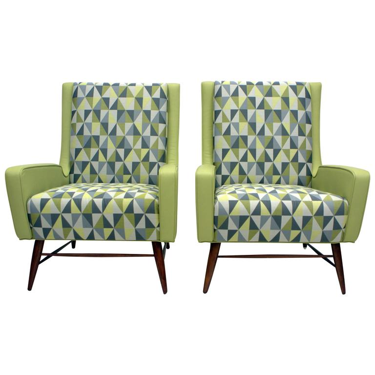 Pair of Italian Lounge Chairs in the Style of Gio Ponti For Sale