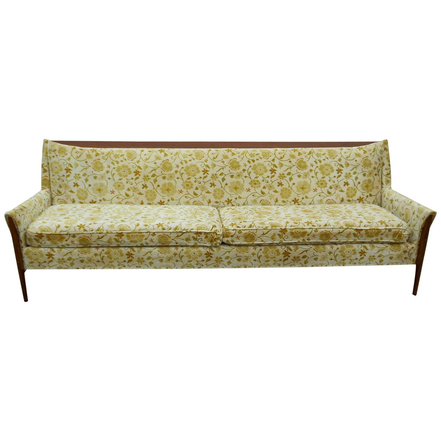 Mid-Century Modern Walnut Sofa at 1stdibs