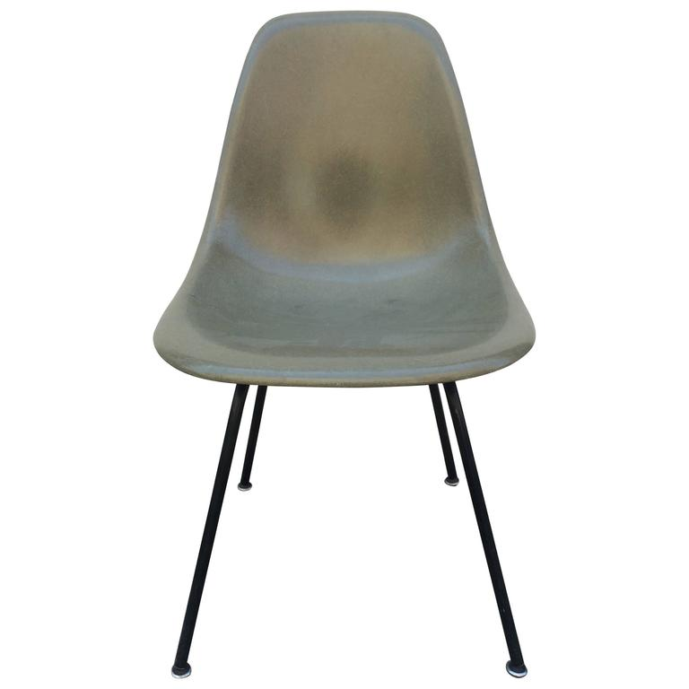 Eames Herman Miller Raw Umber Fiberglass Chair For Sale