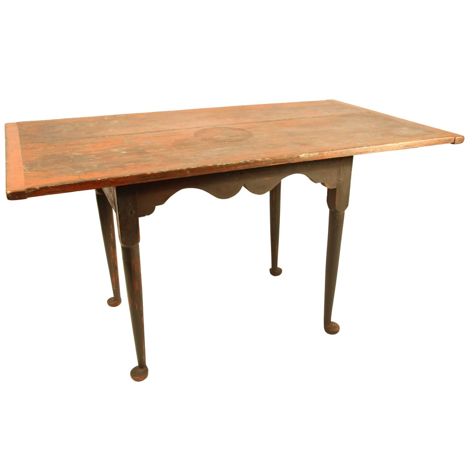 18th century new england drop leaf tavern table for sale at 1stdibs