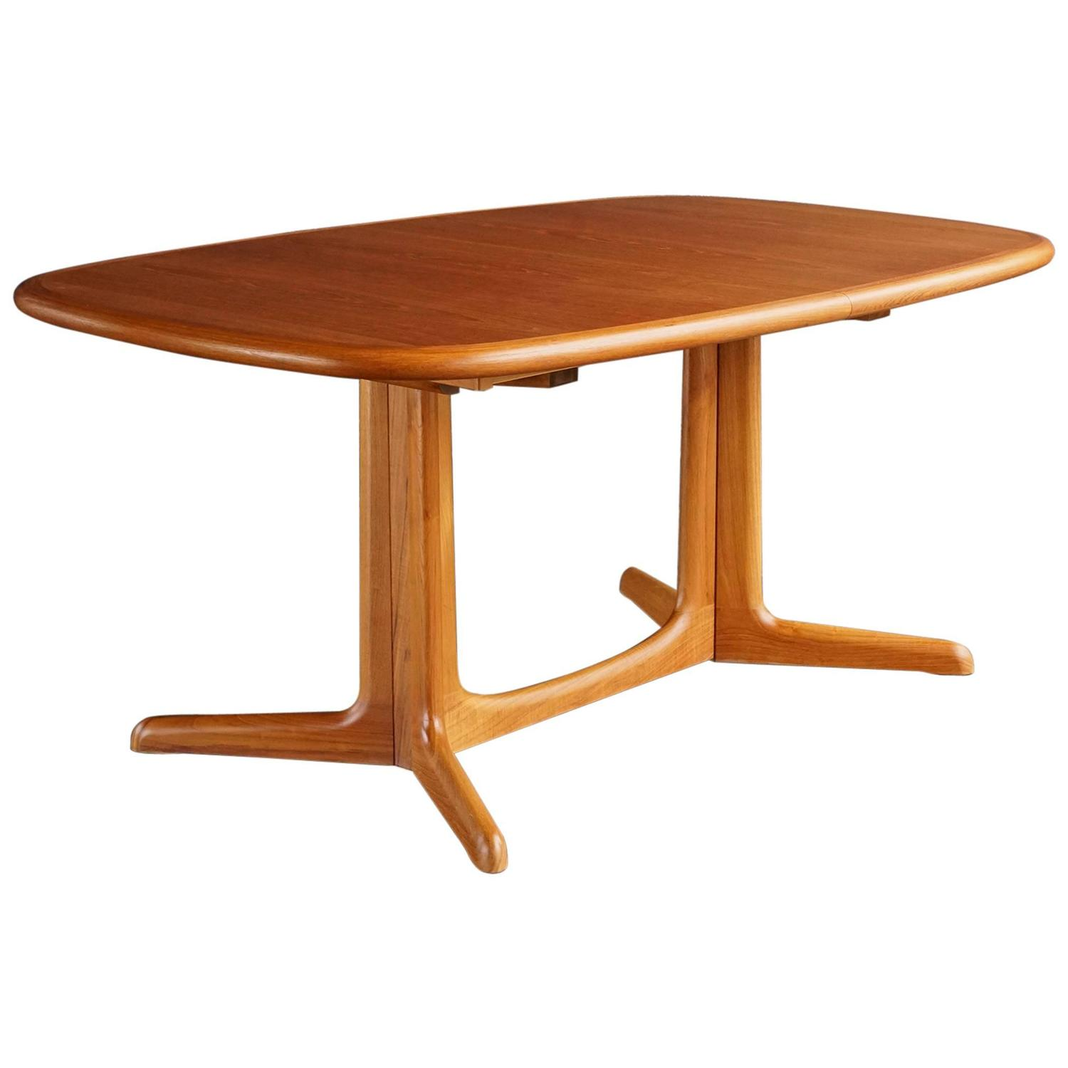 Danish extension dining table at 1stdibs for Dining room tables 1940s