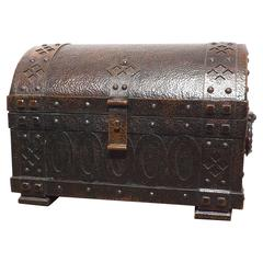 19th Century Arts and Crafts Patinated Hammered Copper Chest or Strongbox