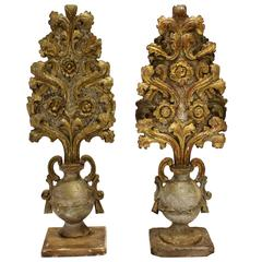 18th Century Pair of Italian Carved and Giltwood Urn-Shaped Altar Pieces