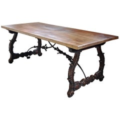 17th Century Spanish Walnut Wood Table