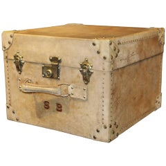 1920s Vellum Rectangular Hat Trunk with Handle on the Front