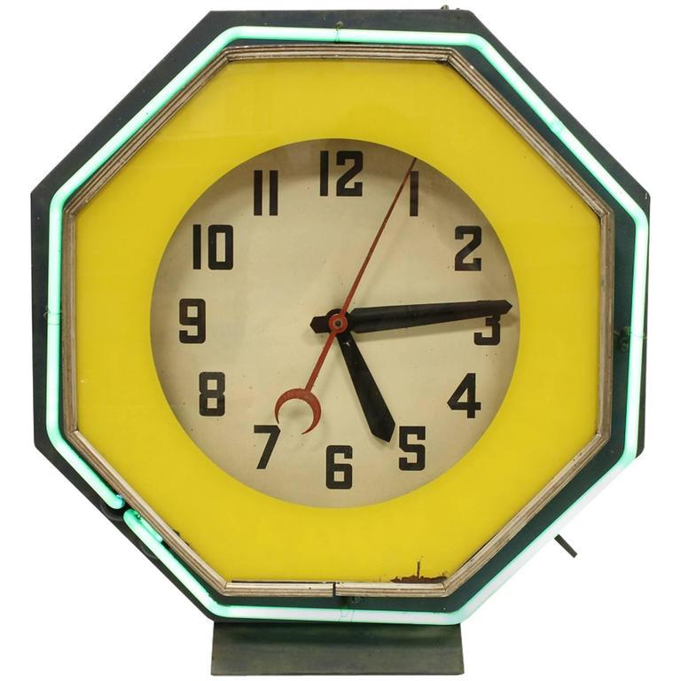 1930s American Green Neon Clock