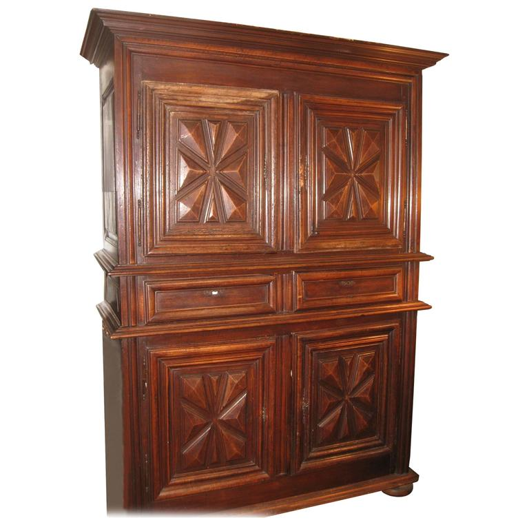 louis xiii armoire or buffet 2 corps buffet 2 pieces. Black Bedroom Furniture Sets. Home Design Ideas