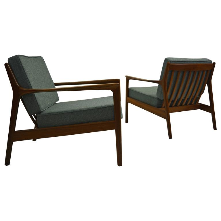 """Pair of """"USA 75"""" Lounge Chairs by Folke Ohlsson for DUX For Sale"""