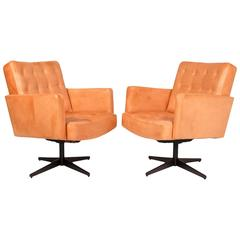 Pair of Lounge Chairs by Vincent Cafiero for Knoll