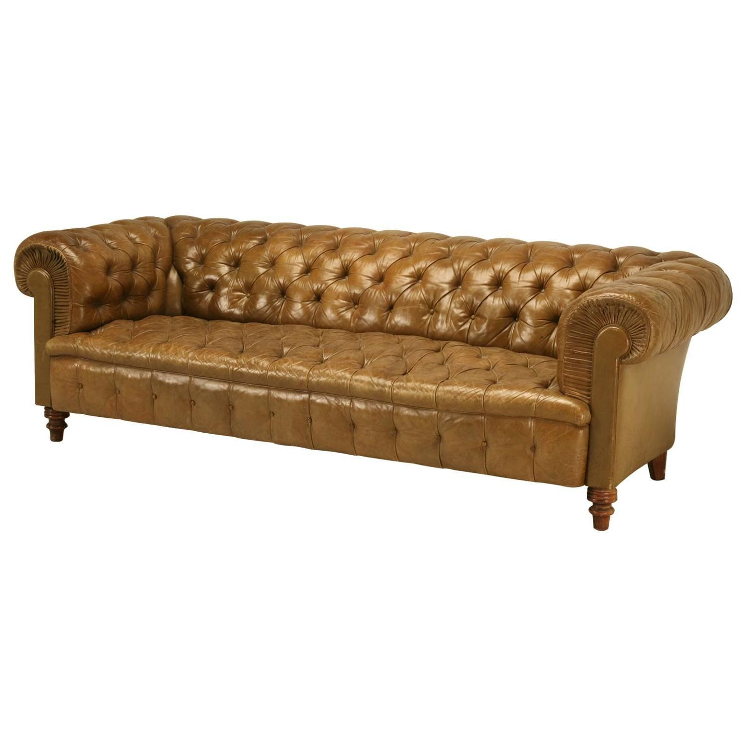 original unrestored chesterfield tufted leather sofa at 1stdibs. Black Bedroom Furniture Sets. Home Design Ideas
