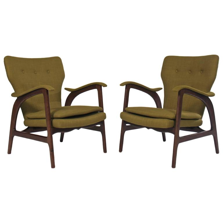Pair of Mid Century Modern Club Chairs in the Manner of Vladimir Kagan