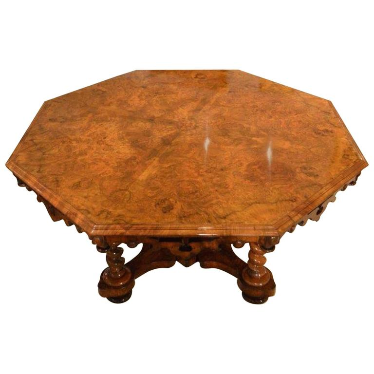 A Burr Walnut Early Victorian Period 8 Seater Antique  : 3413272l from www.1stdibs.com size 768 x 768 jpeg 42kB
