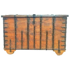 Rare 17th Century Oak Coffer / Trunk