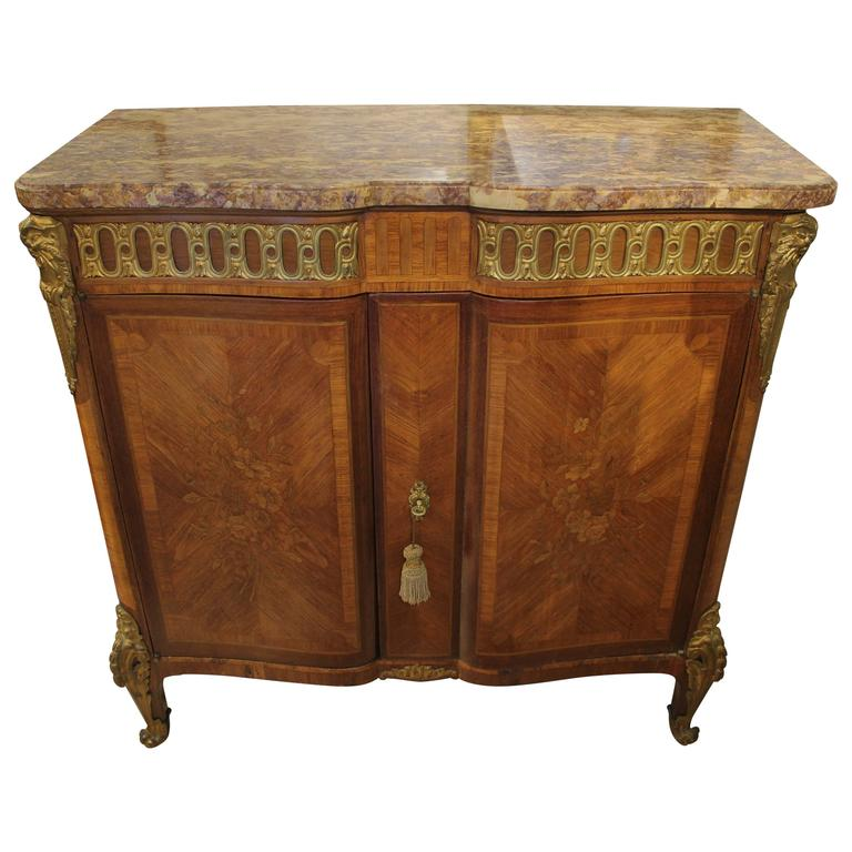 18th century louis xvi petite two door buffet for sale at 1stdibs. Black Bedroom Furniture Sets. Home Design Ideas