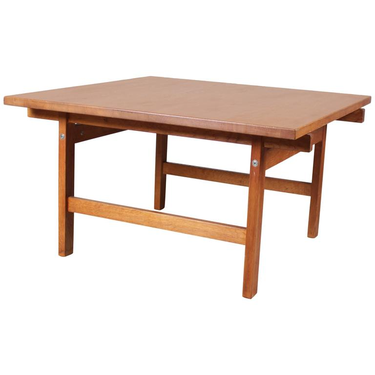 Square Oak Coffee Table By Hans Wegner For Andreas Tuck At 1stdibs
