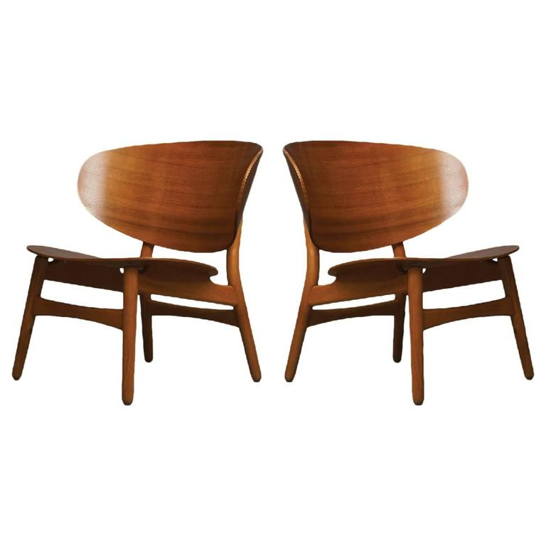 Hans Wegner, Pair of Shell Lounge Chairs For Sale