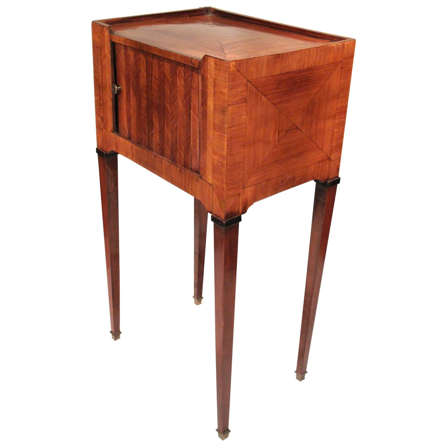 louis xvi marquetry table de chevet at 1stdibs. Black Bedroom Furniture Sets. Home Design Ideas