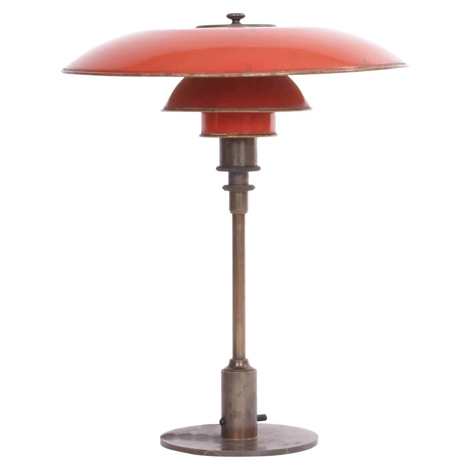 poul henningsen ph 3 5 2 desk lamp with red copper shades dated 1926 28 for sale at 1stdibs. Black Bedroom Furniture Sets. Home Design Ideas
