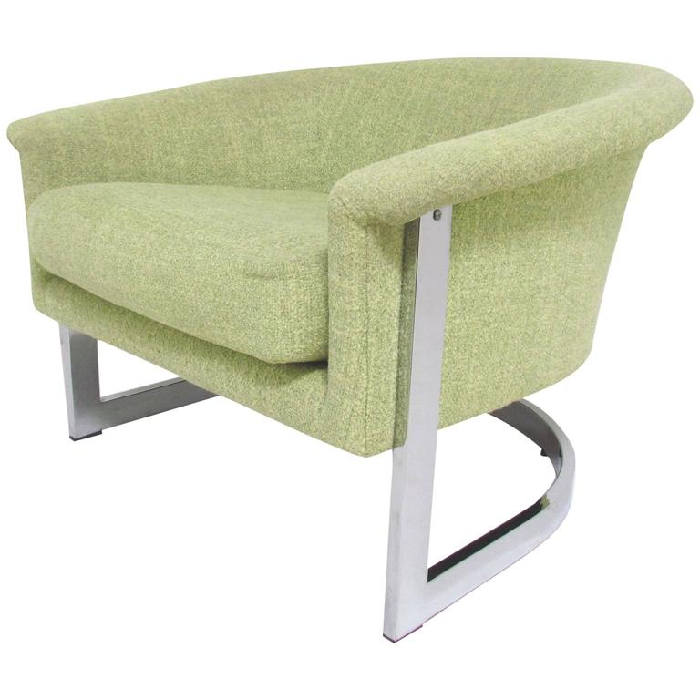 Italian Barrel Lounge Chair with Chrome Frame in the Manner of Milo Baughman For Sale