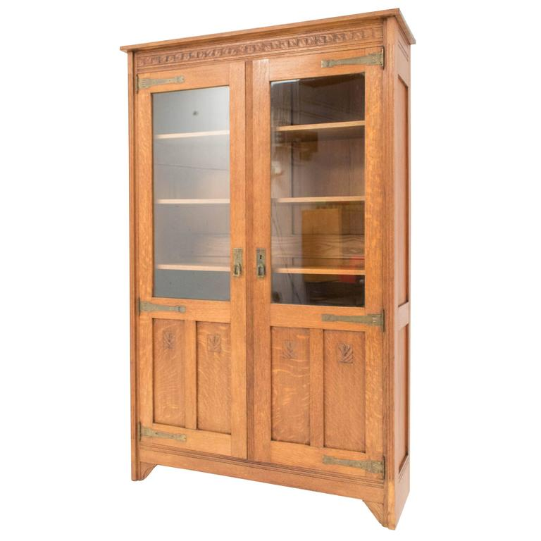 stunning arts and crafts dutch bookcase 1900s at 1stdibs. Black Bedroom Furniture Sets. Home Design Ideas