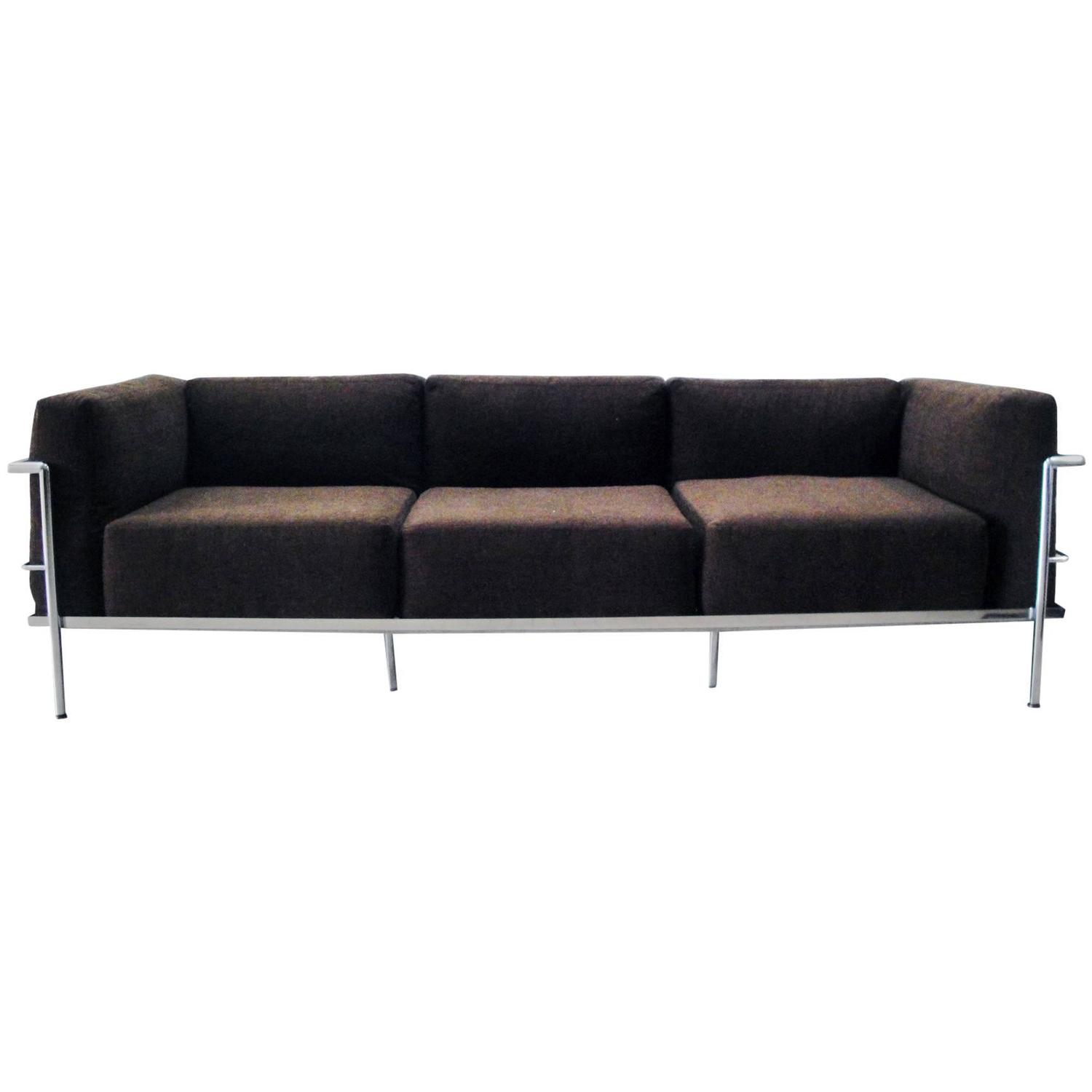 Le corbusier lc3 grand confort sofa at 1stdibs for Sofas gran confort